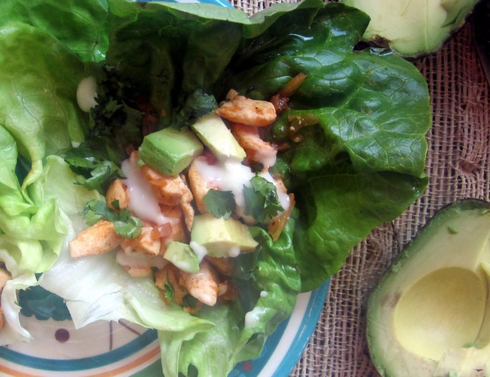 healthy buffalo chicken lettuce wraps
