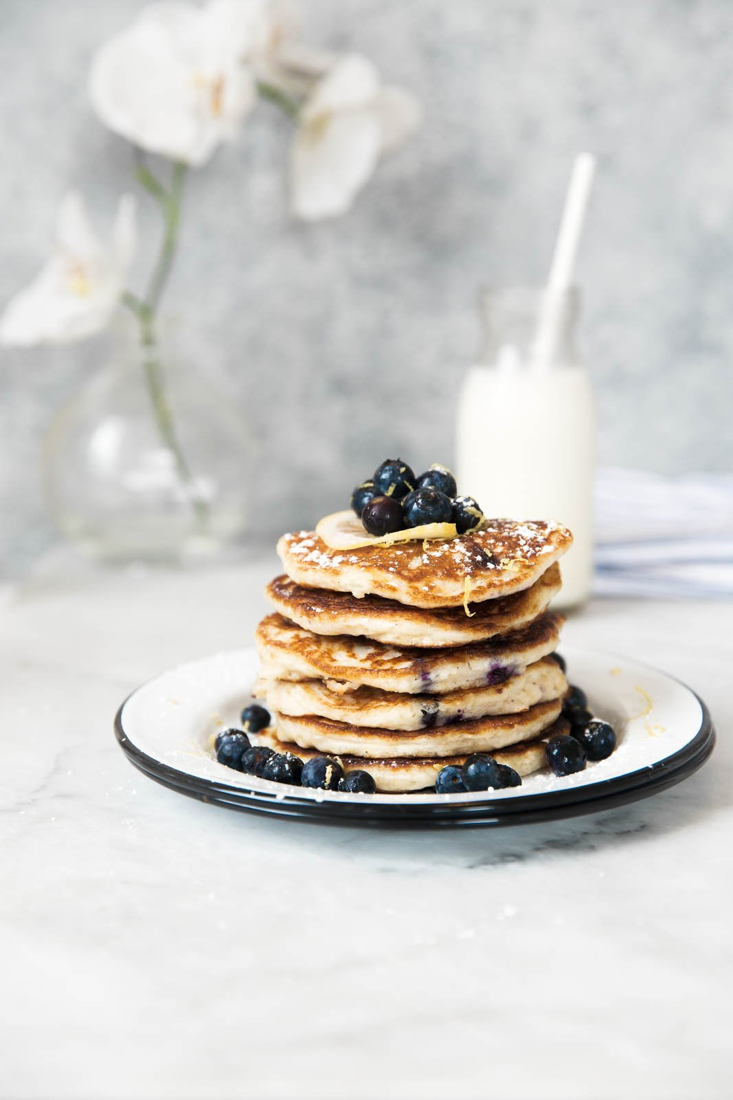 Healthy and hearty quinoa pancakes with lemon and blueberry. Fluffy and delicious.