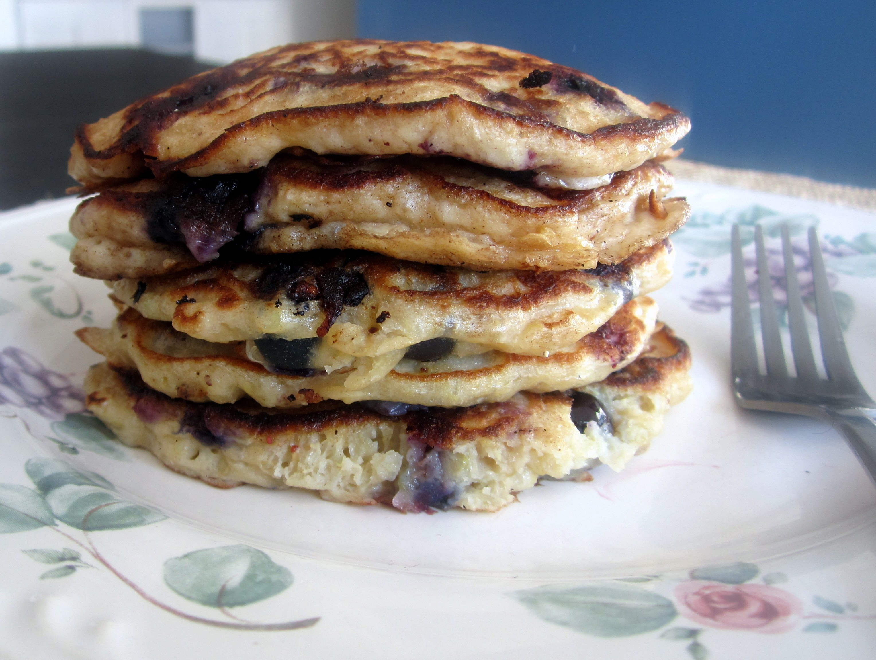 Two Peas & a Pot: Lemon Blueberry Quinoa pancakes