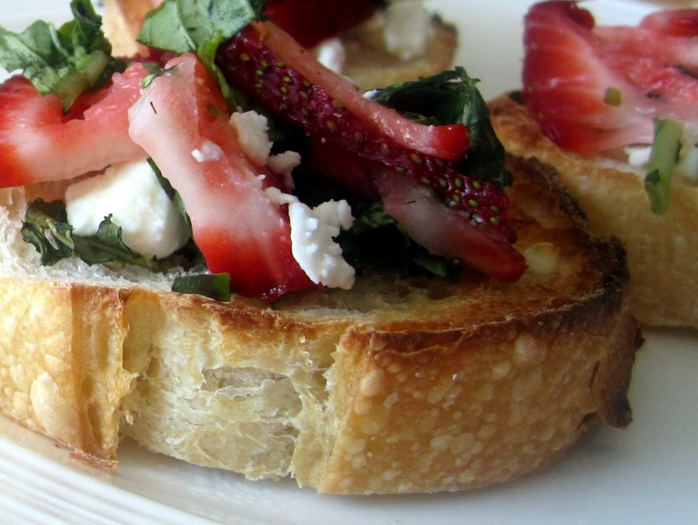 strawberry, basil & goat cheese bruschetta