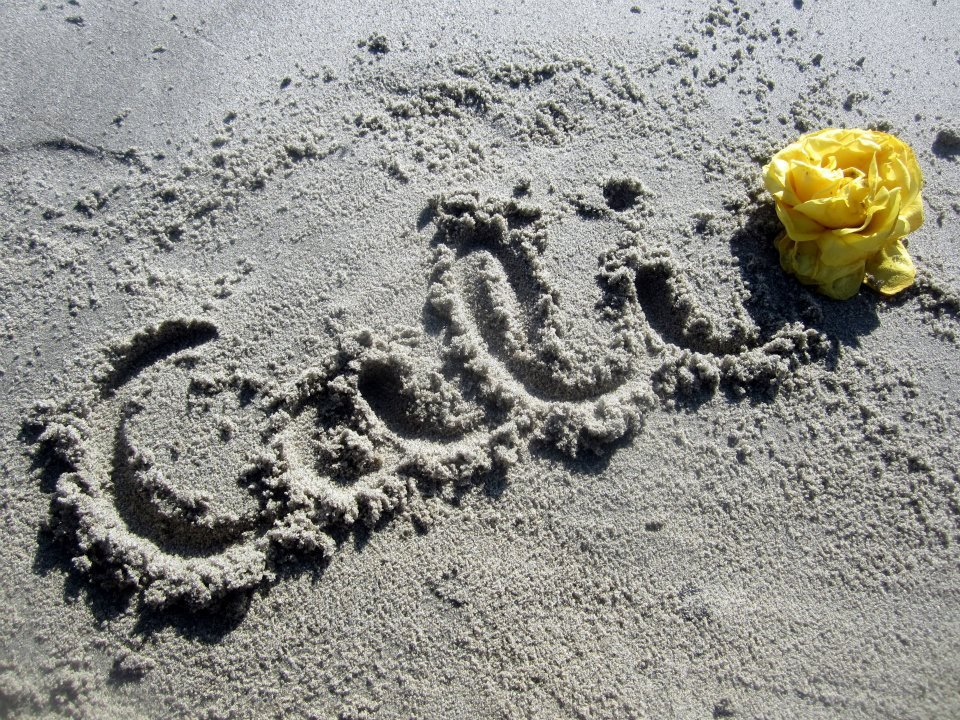 """Cali"" written in the sand"