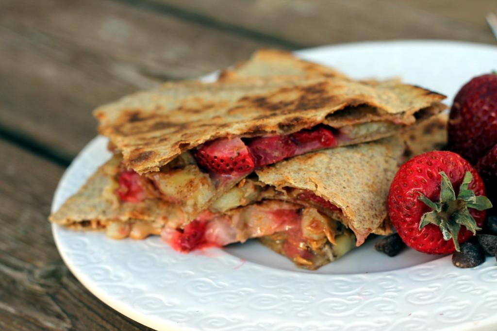 Breakfast fruit quesadillas with peanut butter via ambitiouskitchen ...
