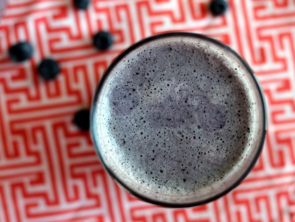 Healthy 4-ingredient banana blueberry protein shakes