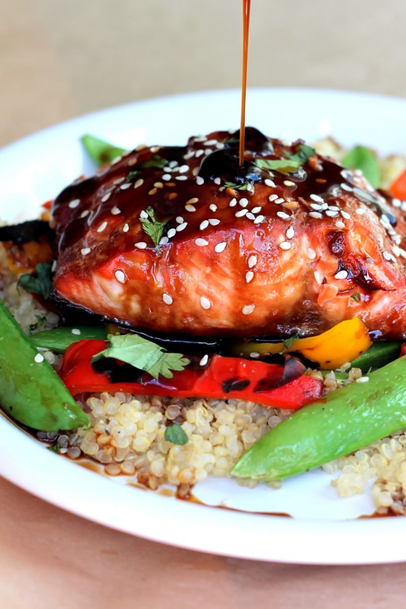 healthy salmon recipes: salmon and veggies over quinoa