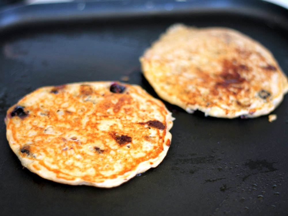 Healthy breakfast idea: quinoa pancakes