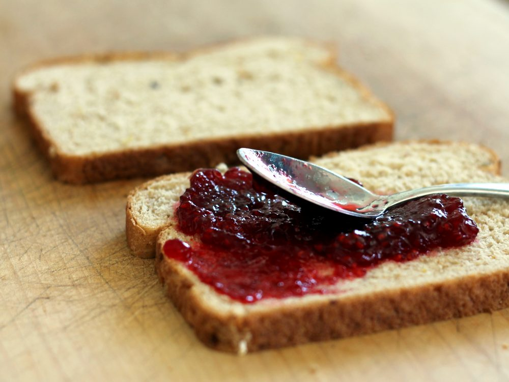 Healthy breakfast idea: toast with raspberry jam