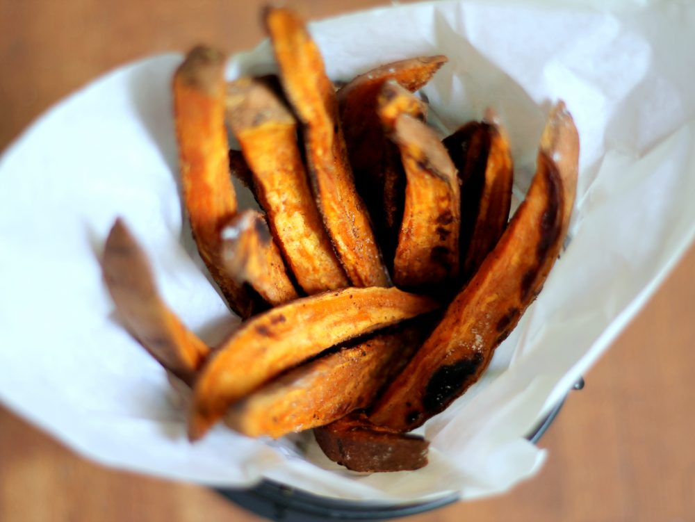 Crispy baked sweet potato fries with honey mustard dipping sauce