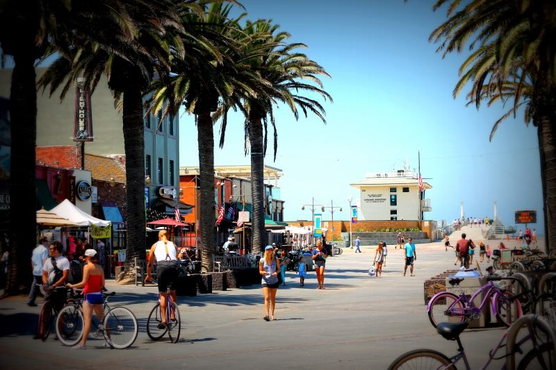 People walking in Hermosa Beach