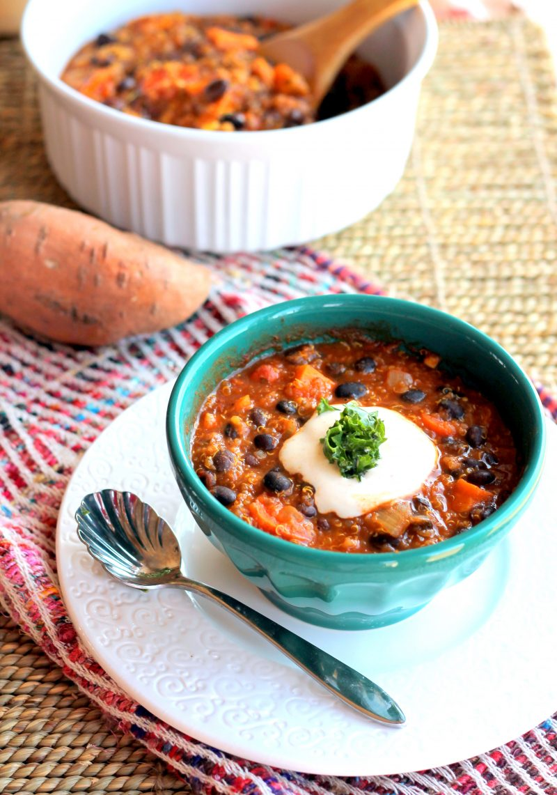 The best healthy chili recipes to make year-round for parties, weeknight dinner, game day, and everything in between. These easy chili recipes have vegetarian and slow cooker options to make prep time a breeze.