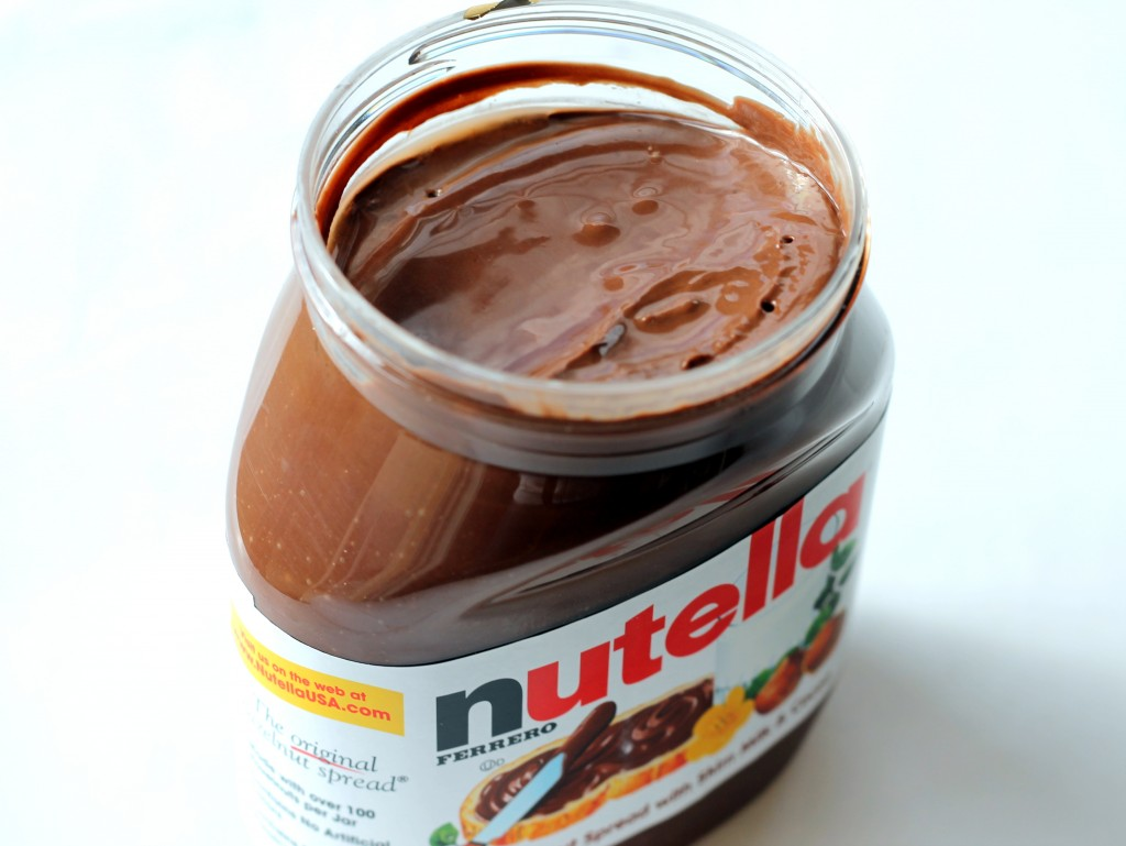 Easy 5-Ingredient Fudgy Nutella Cookies with Sea Salt ...