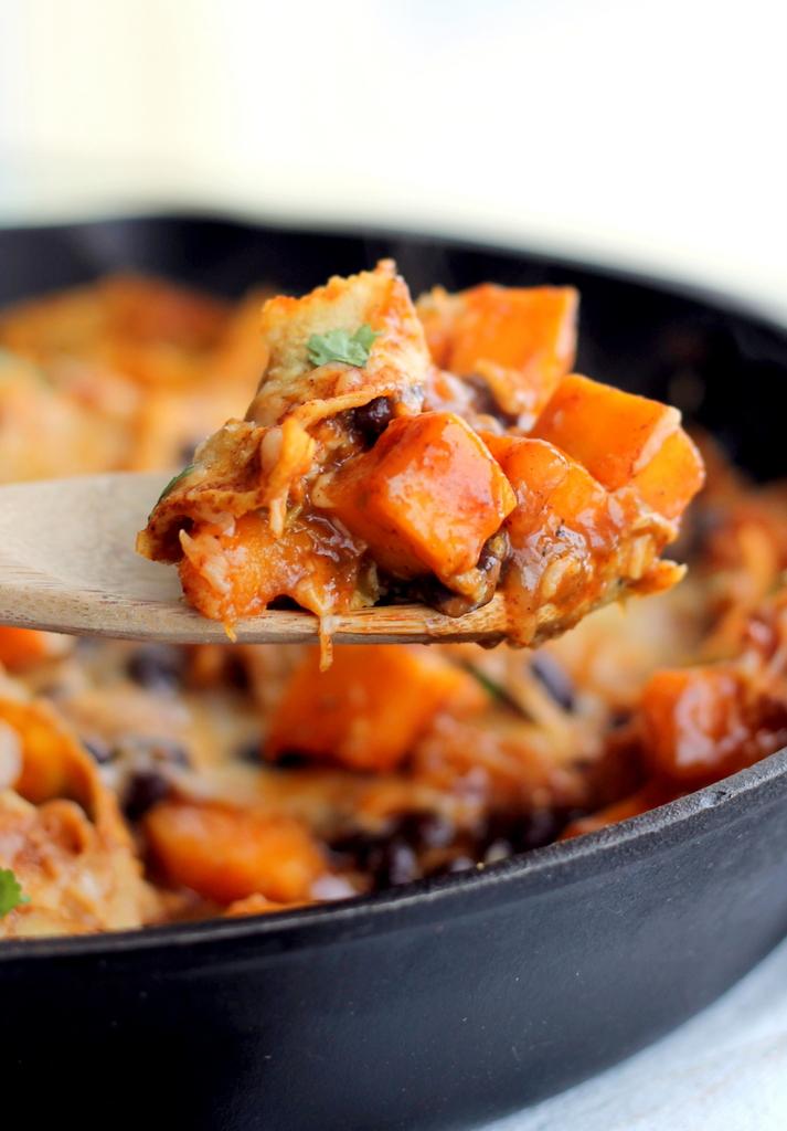 Healthy Butternut Squash and Black Bean Enchilada Skillet -- only 252 ...