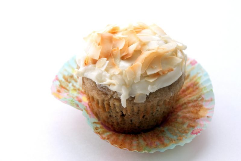 hummingbird cupcake with coconut cream cheese frosting