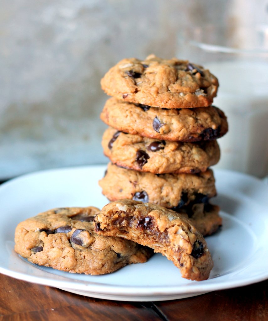 recipe: chewy peanut butter chocolate chunk cookies [24]