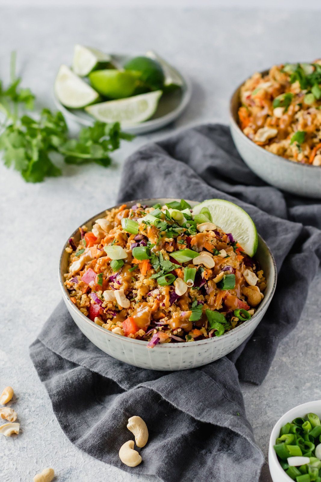healthy 30-minute meals: thai quinoa salad in a bowl