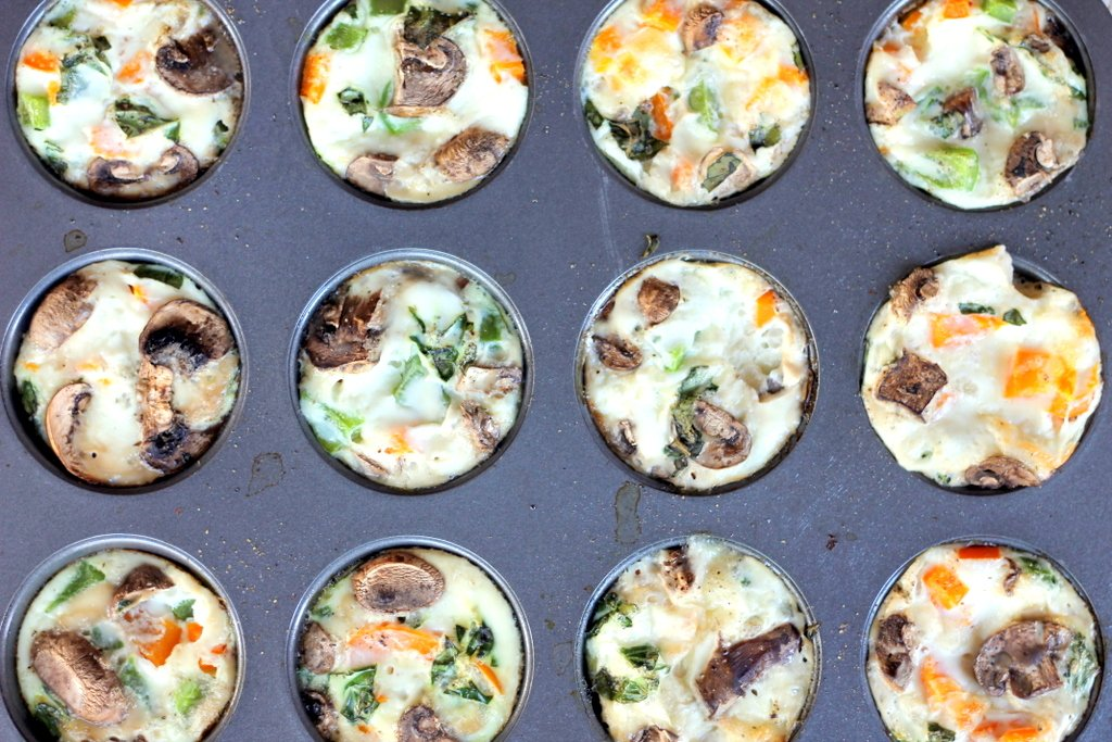 Cheesy Egg White Veggie Breakfast Muffins
