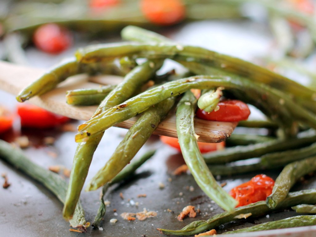 Roasted garlic parmesan green beans with tomatoes