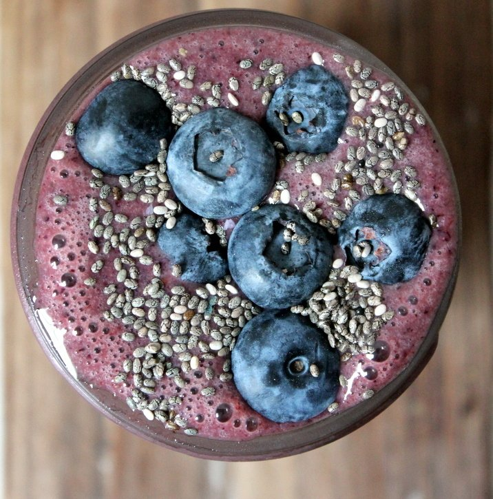 A power smoothie packed with wild blueberries, strawberries, banana, almond milk, spinach and chia seeds. The perfect pick me up or breakfast!