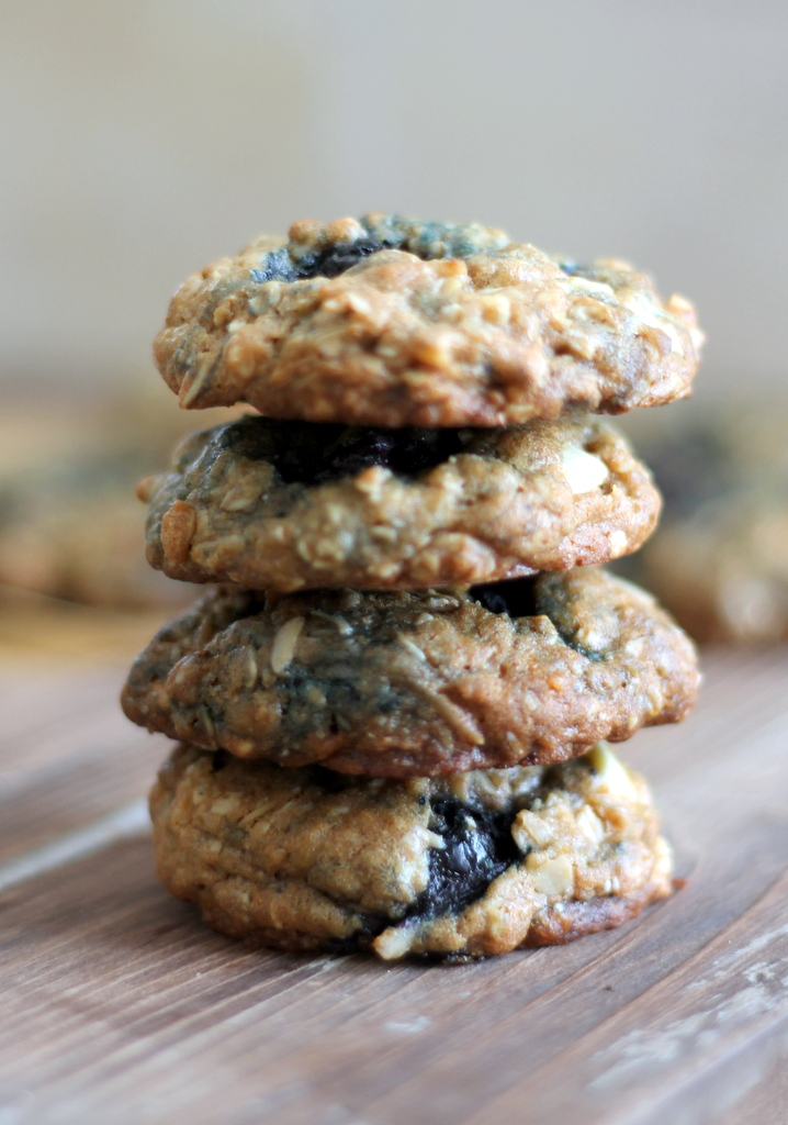 Blueberry And Cherry Oatmeal Cookies With White Chocolate ...