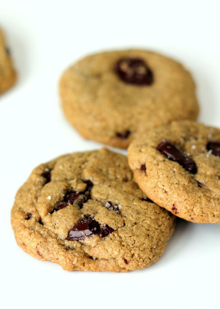 Gluten Free Salted Oatmeal Dark Chocolate Chunk Cookies