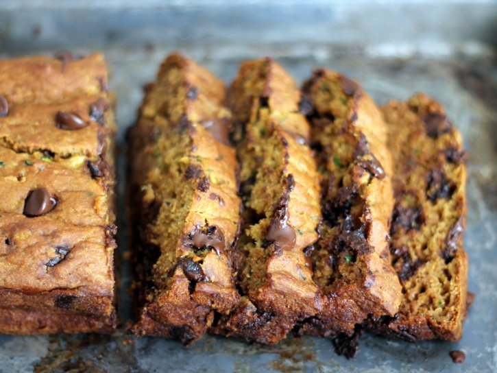 Healthy pumpkin zucchini bread sliced