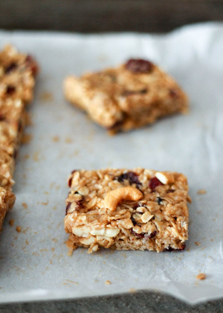 Cashew Almond Granola Bars - easy, no bake gluten free granola bars ...