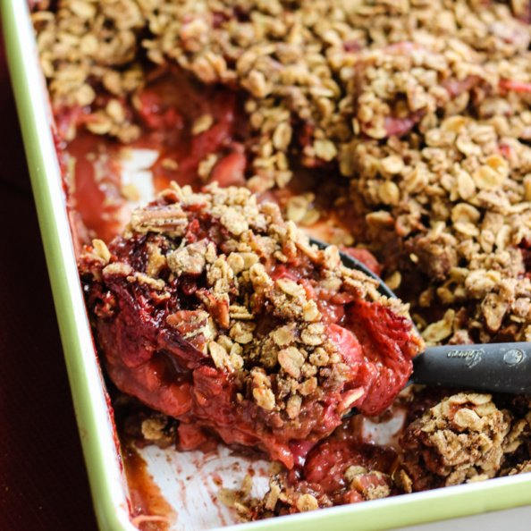 strawberry rhubarb crisp with oat crumble on top