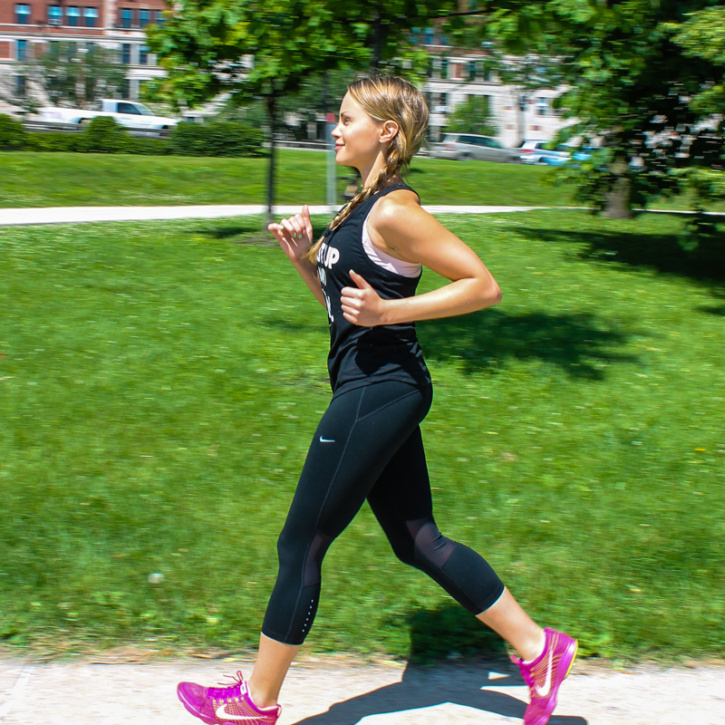 10 Minute Fat-Burning Workout + a Finish Line Giveaway! This looks like a great quick workout to do when you have only a little time.