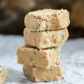NO BAKE 5-INGREDIENT HEALTHY CAKE BATTER FREEZER FUDGE - naturally sweetened, low carb, easy to make!