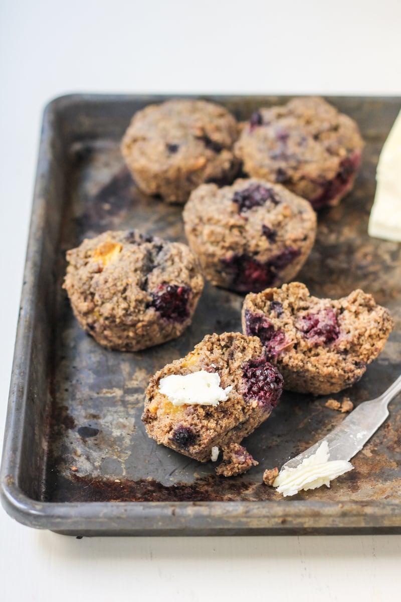 Blackberry Peach Oat Bran Muffins with Chia + Flax {vegan & gluten ...