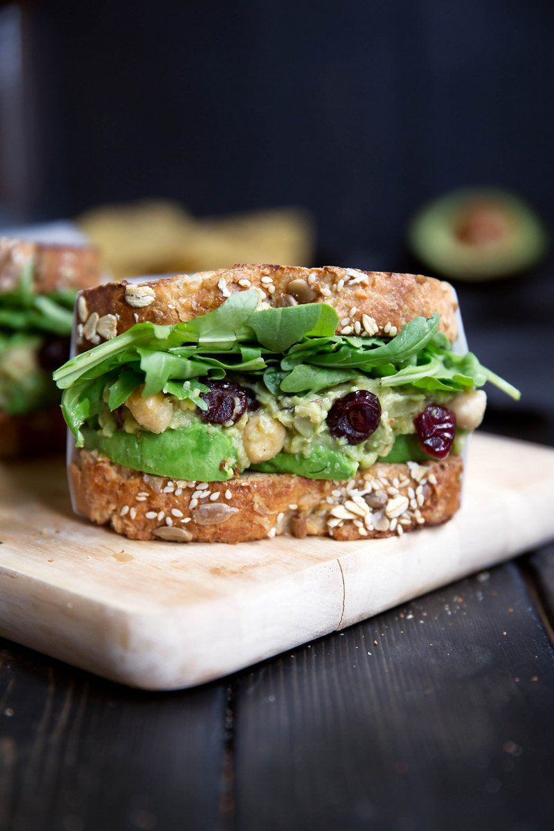 chickpea avocado salad sandwich
