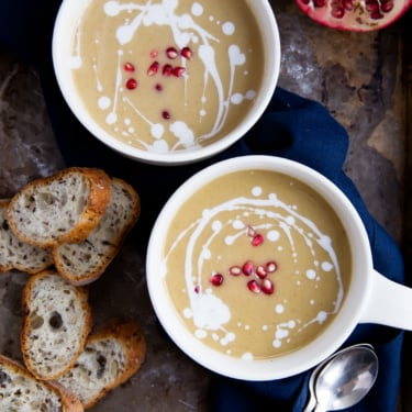 Roasted butternut squash soup in two mugs