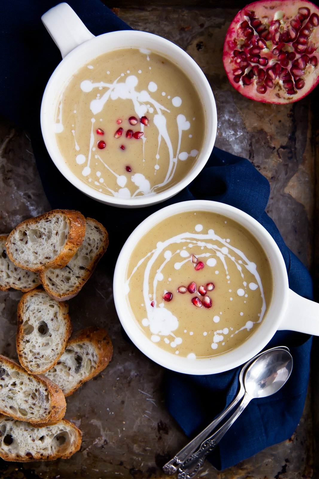 This healthy vegan roasted butternut squash soup gets its creaminess ...