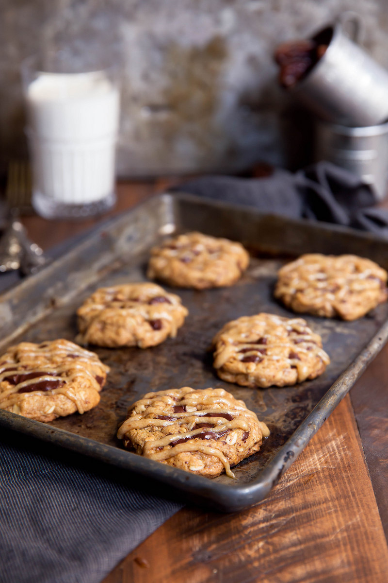 Whole Wheat Chocolate Chip Oatmeal Cookies with Salted Date ...
