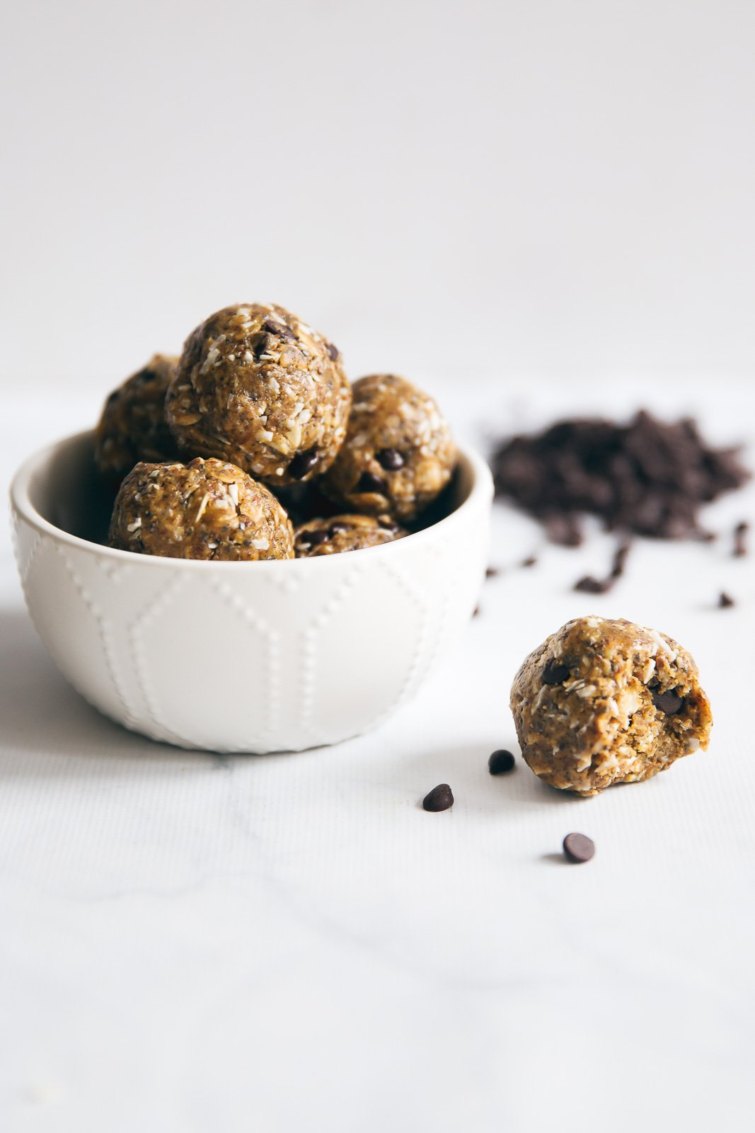 Fiber & protein packed peanut butter energy bites with amazing chewy texture! Loaded with nutritious ingredients like flaxseed, chia seeds, coconut, oats, & more!