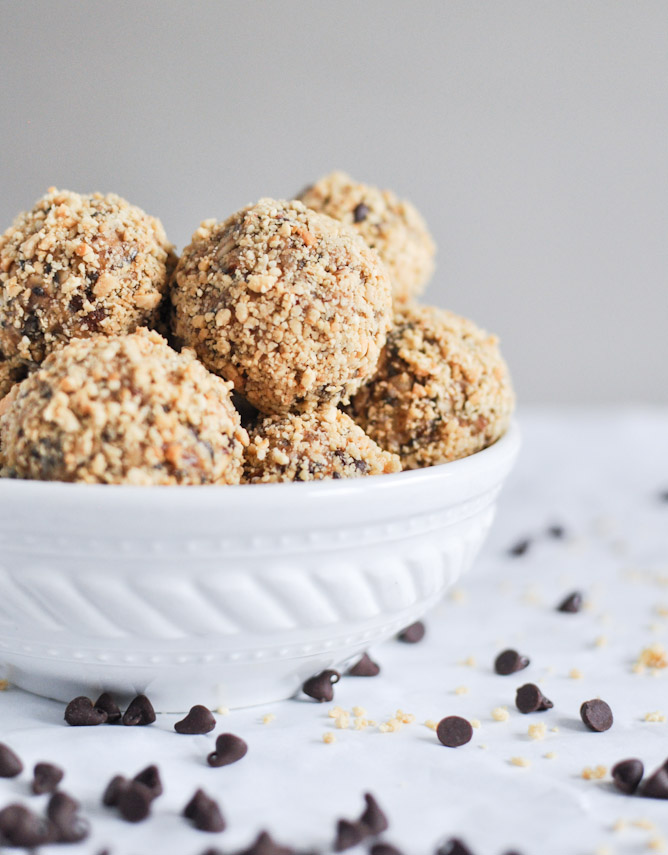 No Bake Oatmeal Peanut Butter Bites from How Sweet Eats