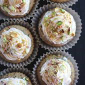 Pistachio cupcakes with lemon buttercream