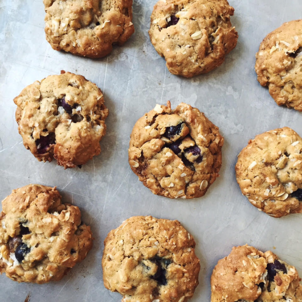white chocolate bluberry oatmeal coconut cookies