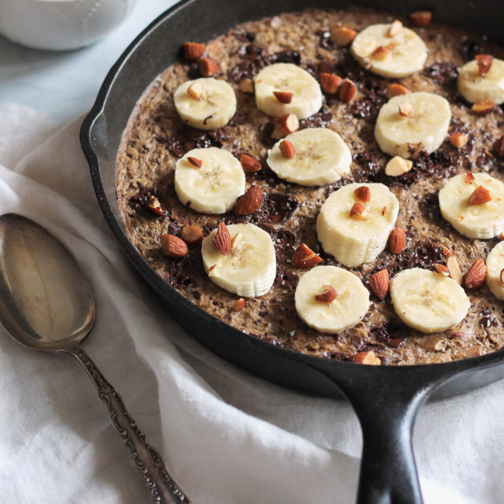 Amazing banana baked oatmeal with chocolate, roasted almonds, cinnamon & a little sea salt. Basically tastes like a chocolate chip oatmeal cookie -- for breakfast!