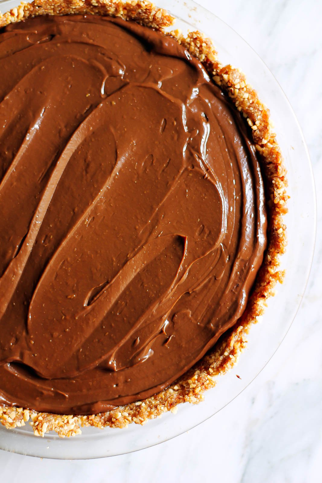 Vegan Chocolate Avocado Pudding Pie with Salted Almond ...