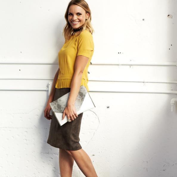 monique modeling an outfit at Stitchfix HQ