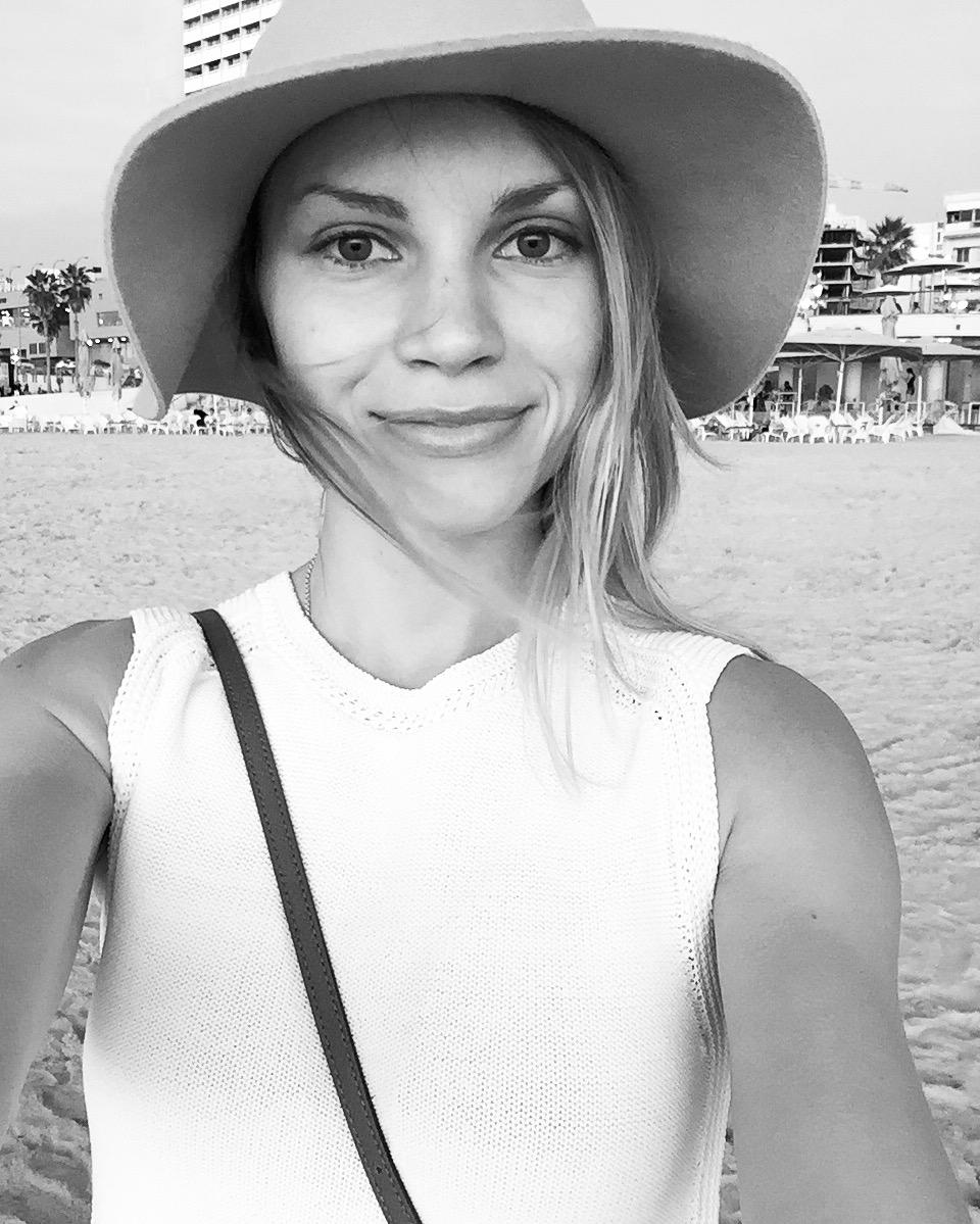 monique on the beach