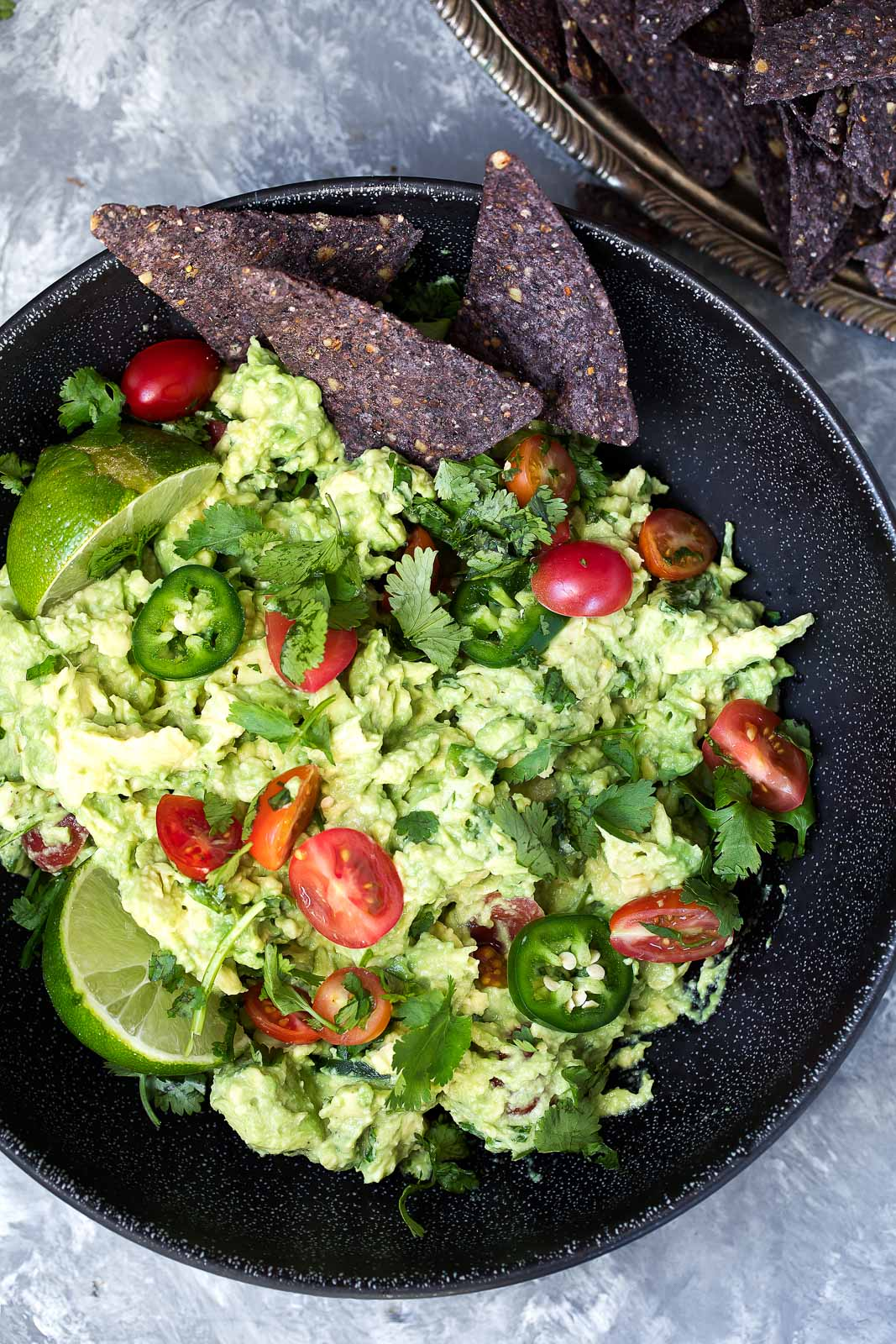 The best guacamole recipe EVER. A mix between creamy and chunky with ...