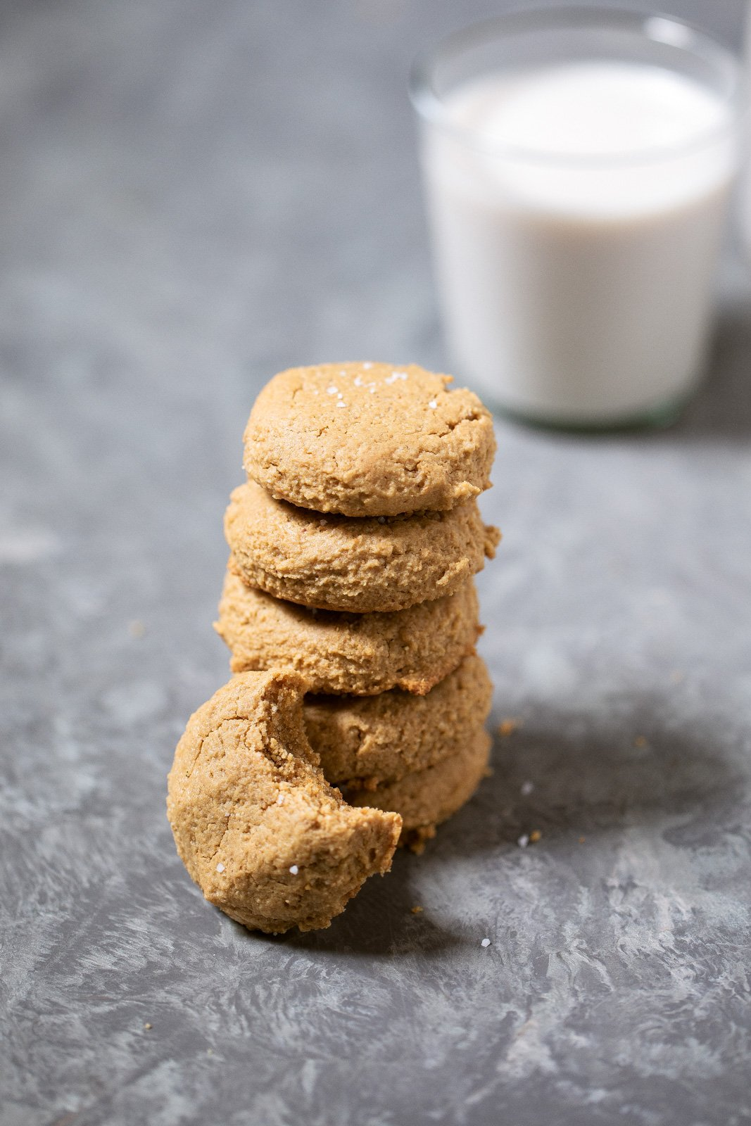Easy, one bowl maple peanut butter cookies made with only 5 simple ingredients. Grain free, gluten free and dairy free. Only 20 minutes from start to finish.