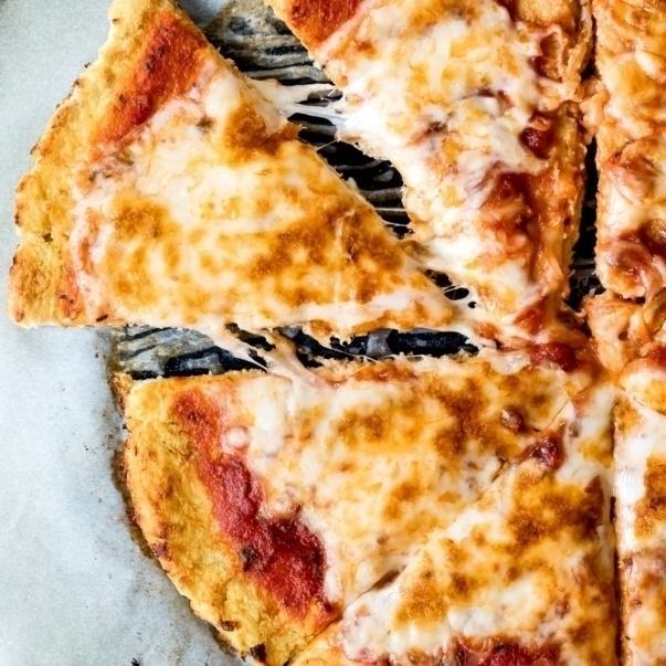 cauliflower pizza crust with cheese