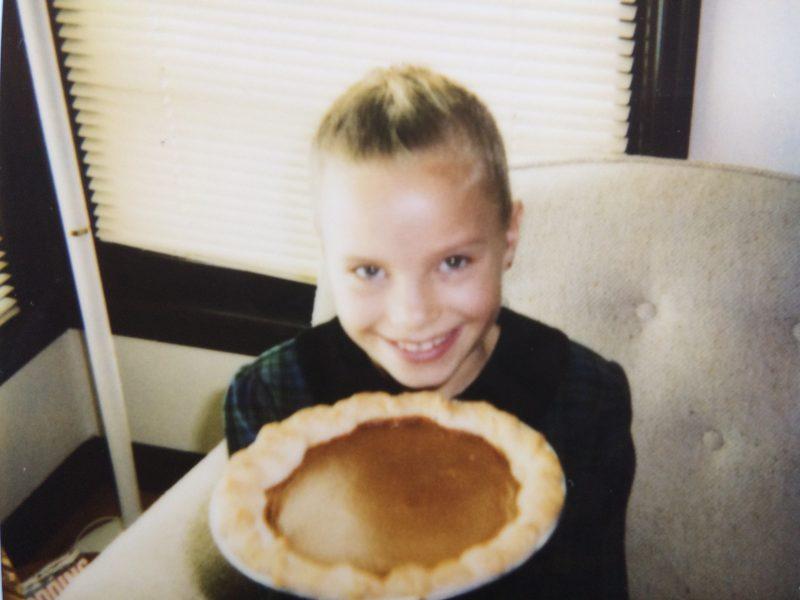 monique holding pumpkin pie