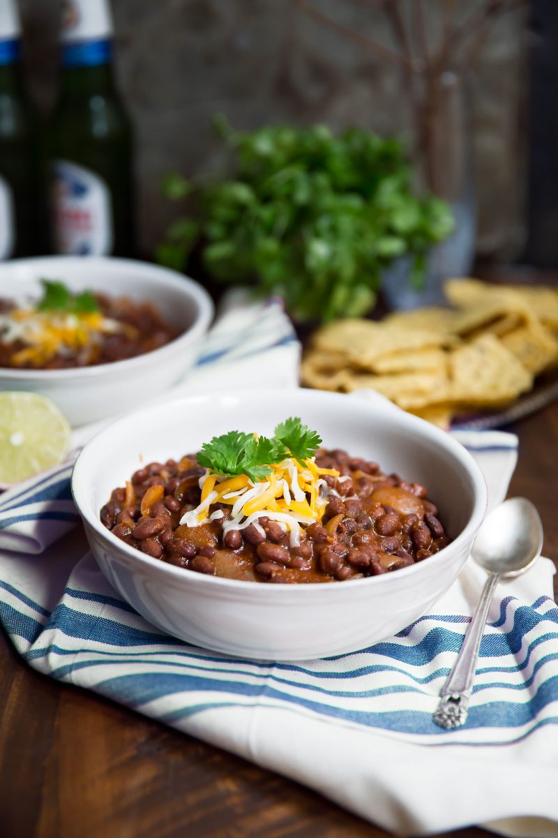 healthy 30 minute meals: black bean soup in a bowl