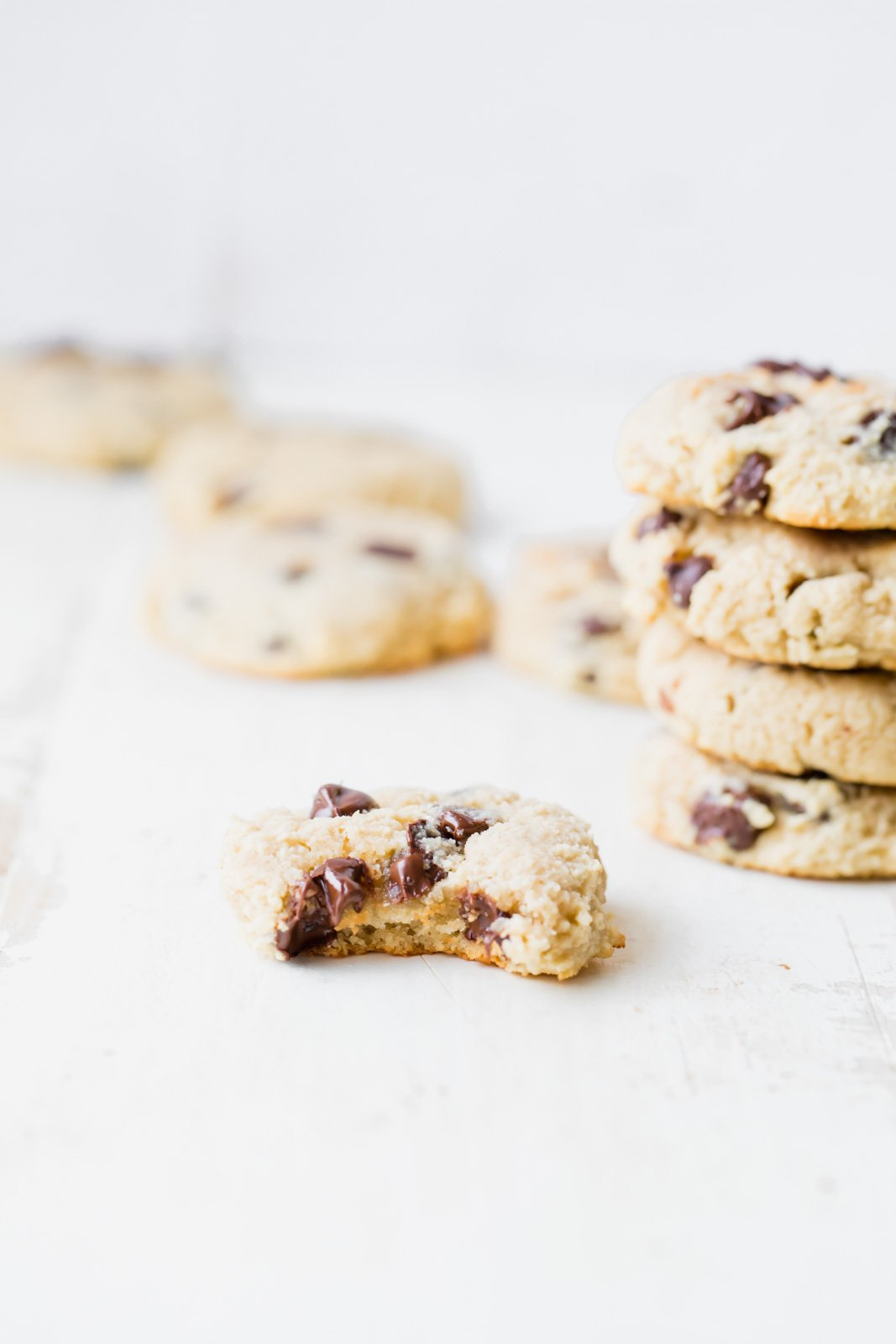 paleo almond flour chocolate chip cookies