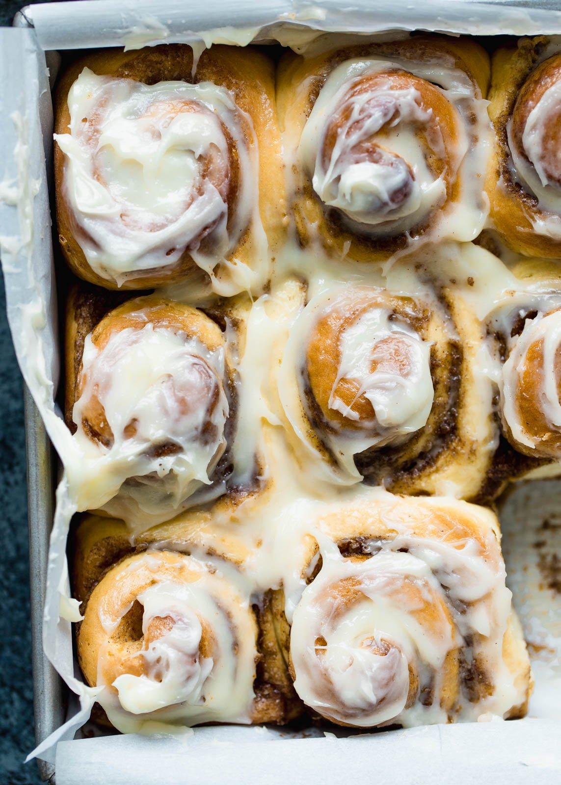 make-ahead breakfast recipes: cinnamon rolls in a pan