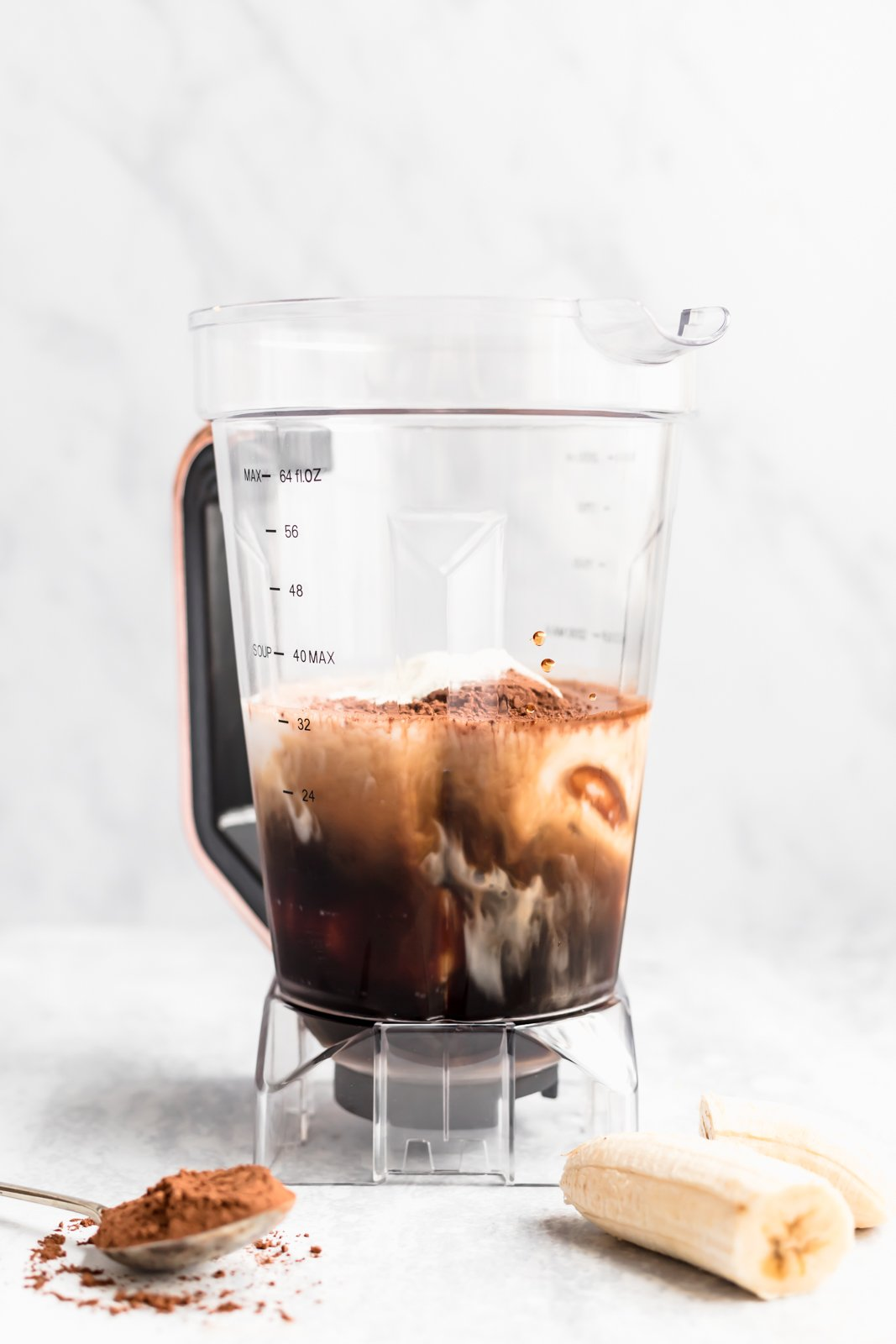 easy coffee smoothie in a blender
