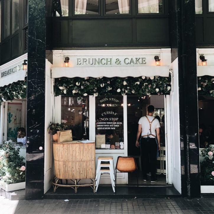 brunch & cake cafe in spain